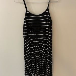 Summer Dress   Black and white dress fit and flare